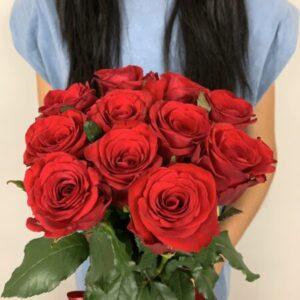 Купить букет из 11 роз в Киеве с доставкой