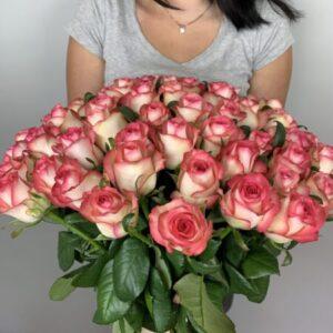 Букет из 51 розы - заказать по выгодной цене в Киеве