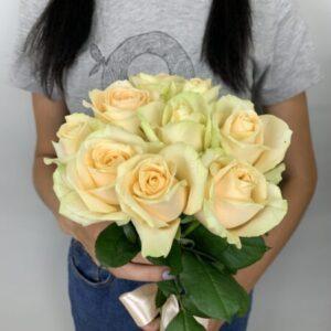 Купить букет из 9 роз в Киеве, выгодная цена