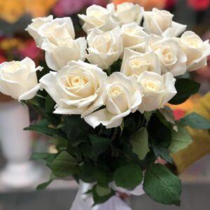 Купить букет из белых роз в Киеве