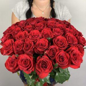 Купить композиции из роз в Киеве с доставкой