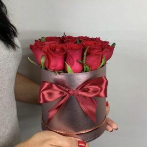Заказать 11 красных роз в Киеве
