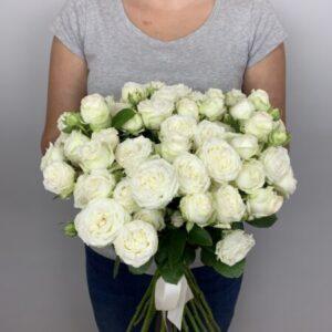 Заказать букет из 15 белых роз в Киеве