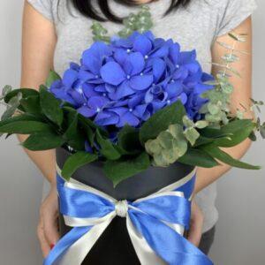 Заказать цветы в коробке на дом в Киеве